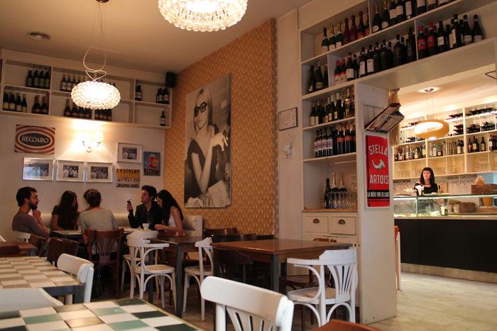 Let's have breakfast at Necci, an historic – and trendy – place in Rome.