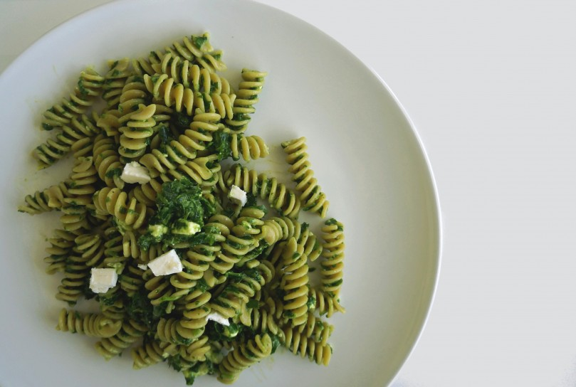 Whole-grain pasta with Spinach Pesto and Feta Cheese. Quick and easy recipe!